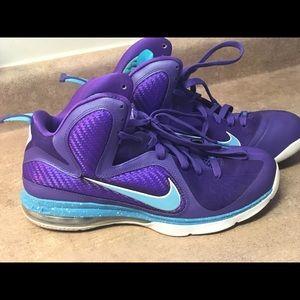 Men's Nike Air, LBJames, size 11.5